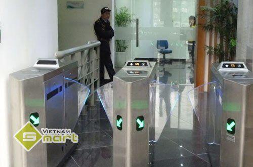 Dự án lắp đặt hệ thống cửa an ninh phân làn tự động tại Ocean Hospitality