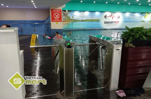 Dự án lắp đặt cổng tay xoay 3 chấu để kiểm soát ra vào tại bể bơi Mipec Tây Sơn