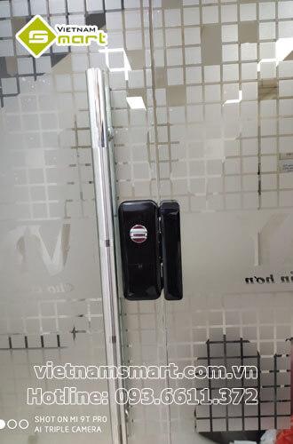 Dự án lắp đặt khóa cửa kính ZKTeco GL300 cho VNPay 22 Láng Hạ