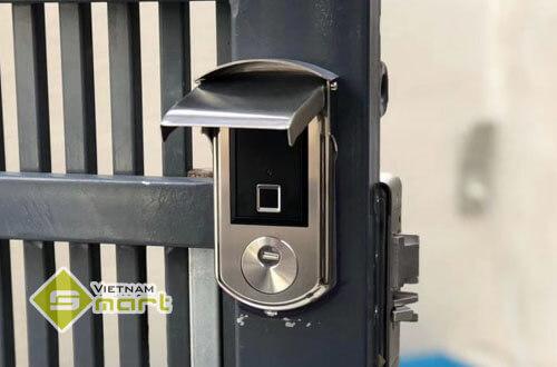 Lưu ý khi lắp đặt khóa cửa vân tay cho cổng sắt
