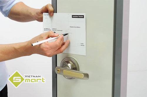 Phát thảo sơ đồ trước khi lắp đặt thiết bị khóa cửa vân tay