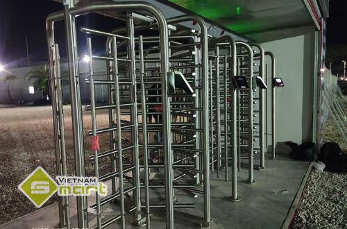 Hình ảnh lắp đặt cổng lồng xoay cho LGEVH
