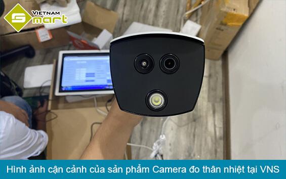 Hình ảnh cận cảnh camera đo thân nhiệt tại công ty Vietnamsmart