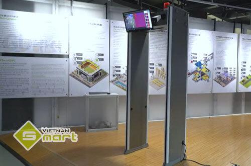 Cận cảnh cổng dò kim loại tích hợp đo thân nhiệt tự đông·KTeco ZK-D2180S[TI]