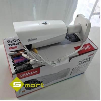 Ảnh thực tế của sản phẩm camera TPC-BF2221-T khi vừa mở hộp
