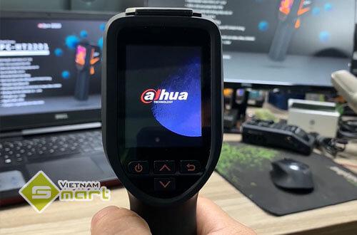 Cận cảnh camera thân nhiệt cầm tay Dahua DH-TPC-HT2201