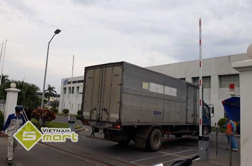 Lắp đặt cổng barrier tự động cho làn xe ô tô tại công ty SEI