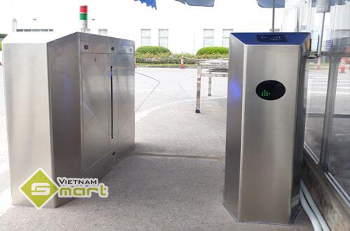 Lắp đặt cổng flap gate kiểm soát ra vào người đi bộ tại công ty SEI