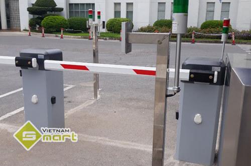 Lắp đặt cổng barie phân làn xe máy tại công ty SEI